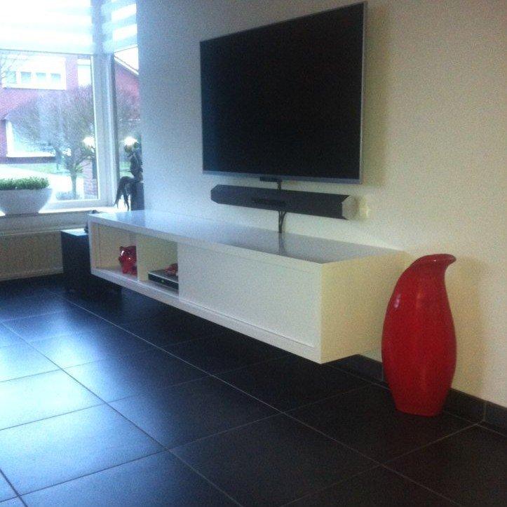 Zwevend TV-meubel-Arturo door Leo