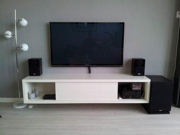 Zwevend TV-meubel-Arturo door Niek