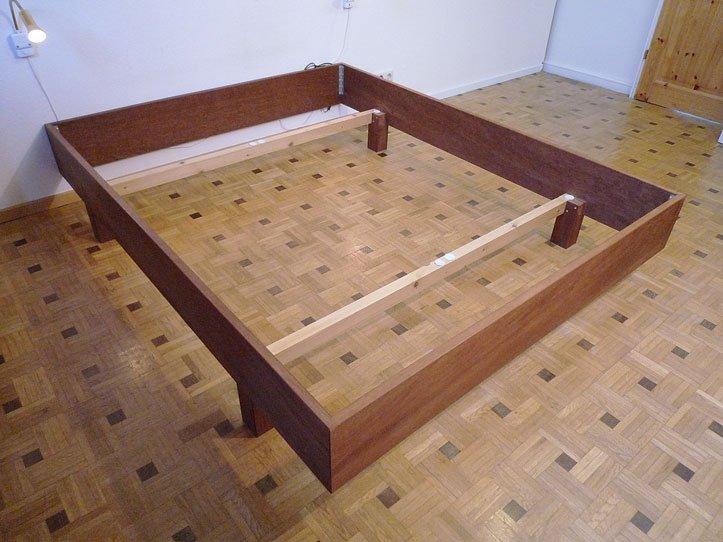 Ombouw maken voor een tweepersoons bed van t for Bed van steigerhout maken