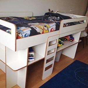 Halfhoogslaper Demi zelf maken door Pieter met onze meubelwerktekening
