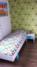 Bed maken: eenpersoonsbed bed zelf maken met nachtkastje tekening door Jelte