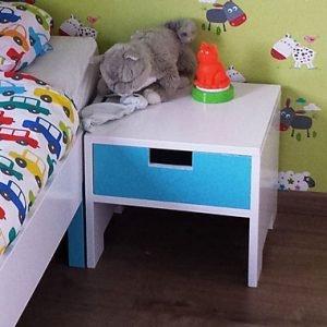 eenpersoonsbed met nachtkastje zelf maken door Jelte met tekening
