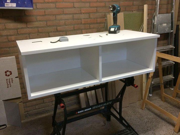 Zelfbouw tv-meubel mbv tekening Arturo door Evelien, gelakt