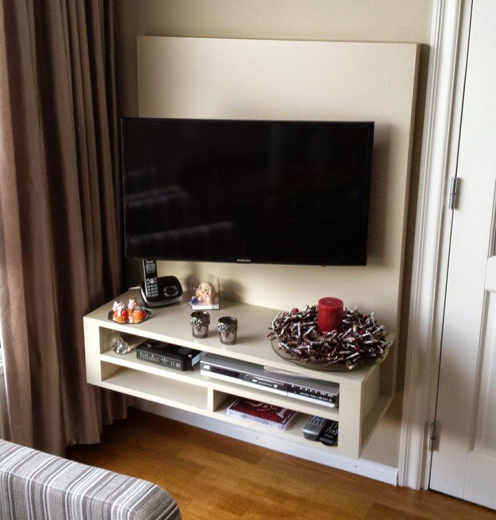 Zwevend zelfbouw TV-meubel Penelope door Twan