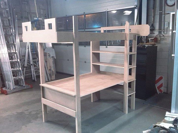 Zelf bouwen: hoogslaper met buro door Bernard