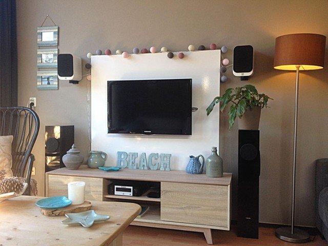 tv-meubel achterwand gemaakt door Juriaan
