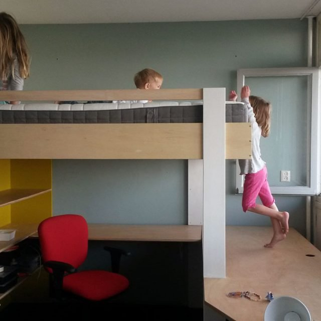 Zelfbouw hoogslaper AnaXL met werkruimte door Theo