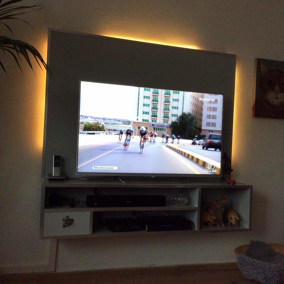 Zelfbouw tv-meubel Jordi aangepast en gemaakt door Anne Juul
