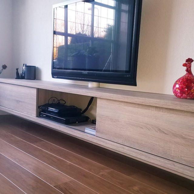 Mooi hangend tv-meubel ArturoXL door Kees