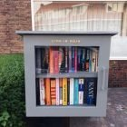 DIY free little library-Libros-by Janet