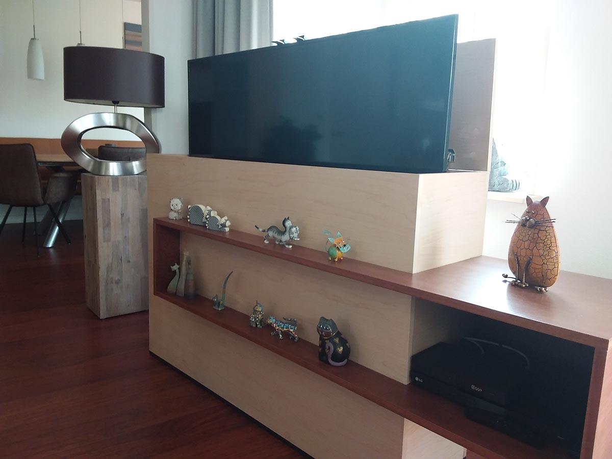 Zelfbouw tv-meubel Astor gebouwd door Frank