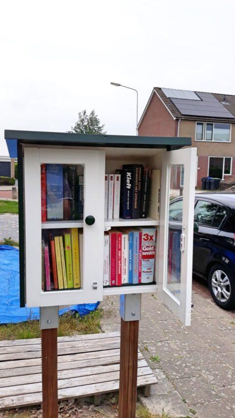 Minibieb Libros door Roelf-Jan en Akkemarijke