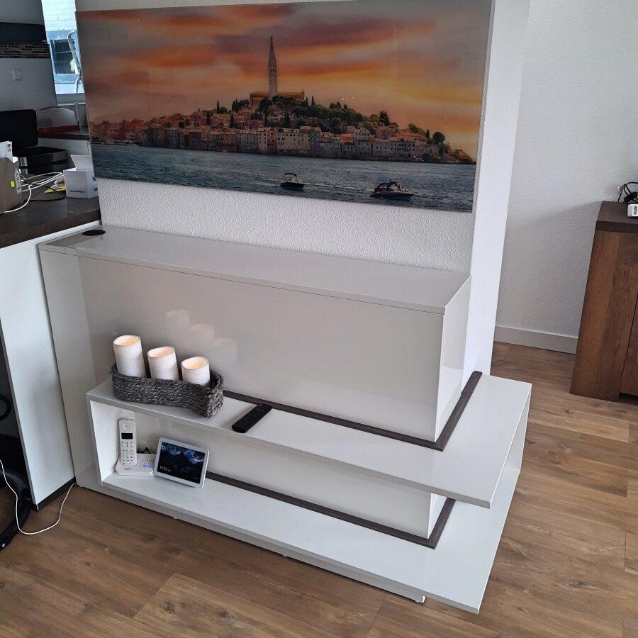 Zelfbouw tv-meubel met tv-lift door Harry